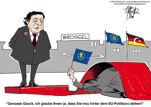 EU, Europa, Europaeische Union, Kommisionspraesident, Barroso, Bundespraesident, Gauck, Unterwuerfigkeit, Servilitaet, Liebedienerei, Dienstbote, Lakai, roter Teppich, Bruessel, ESM-Vertrag, Souveraenitaetsrechte, Aufgabe, Demokratie, Mitwirkung, Buerger, EUdSSR, Sozialismus, Diktatur, Defizit, Subsidiaritaet, Zentralismus, Fetisch, Utopie, Rettungsschirm, Wiedenroth, Karikatur, caricature, cartoon, Germany, Allemagne